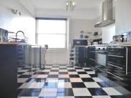 Apartment to rent in Adelaide Crescent, Hove...