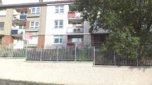 Ground Flat to rent in Dundee Drive, Glasgow...