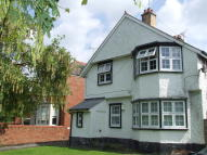 3 bed Flat in Hillbury Road, Erddig...