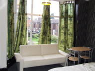 Studio flat in Erddig Road, Erddig...
