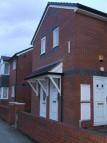 Ruabon Road Flat to rent