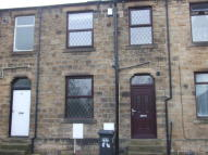 2 bedroom Terraced house in Calder Road, Mirfield...