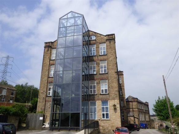 2 bedroom apartment to rent FEARNLEY MILL DRIVE, Huddersfield, HD5