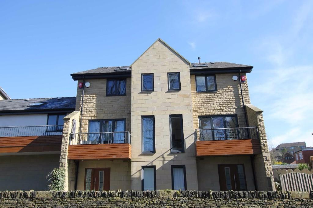 2 bedroom mews house to rent Radley Court,Mirfield,WF14