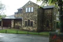 4 bedroom Detached property to rent in Water Royd Lane...