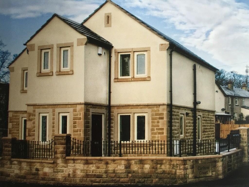 3 bedroom semi-detached house to rent Carlton Court, Birkenshaw, Bradford, West Yorkshire, BD11