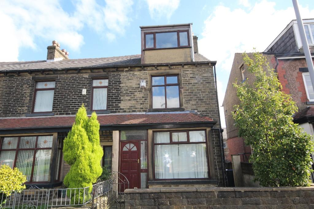 4 bedroom end of terrace house to rent St. Enochs Road, Bradford, BD6