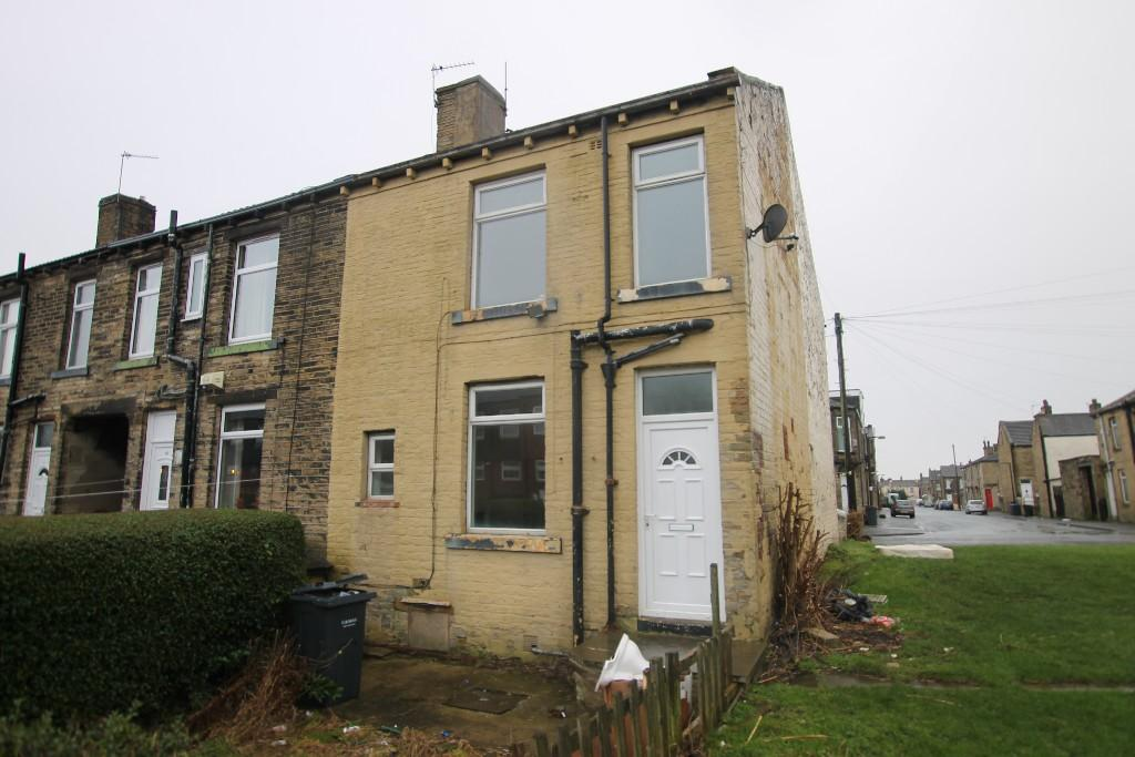 1 bedroom end of terrace house to rent Broadstone Way, Bradford, BD4