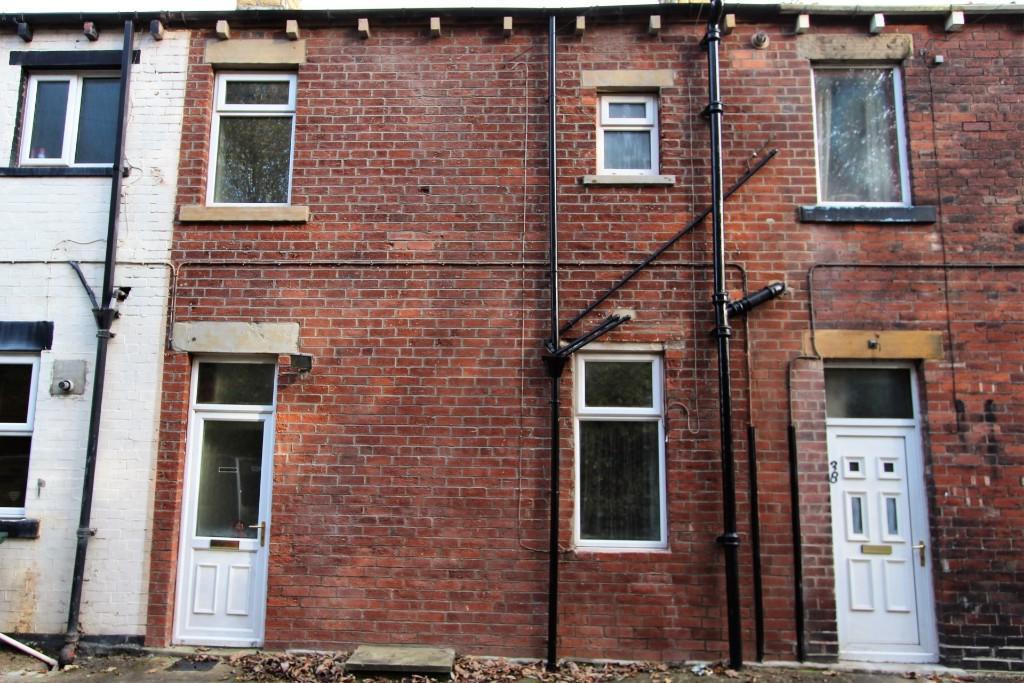 2 bedroom terraced house to rent Primrose Hill, Batley, WF17