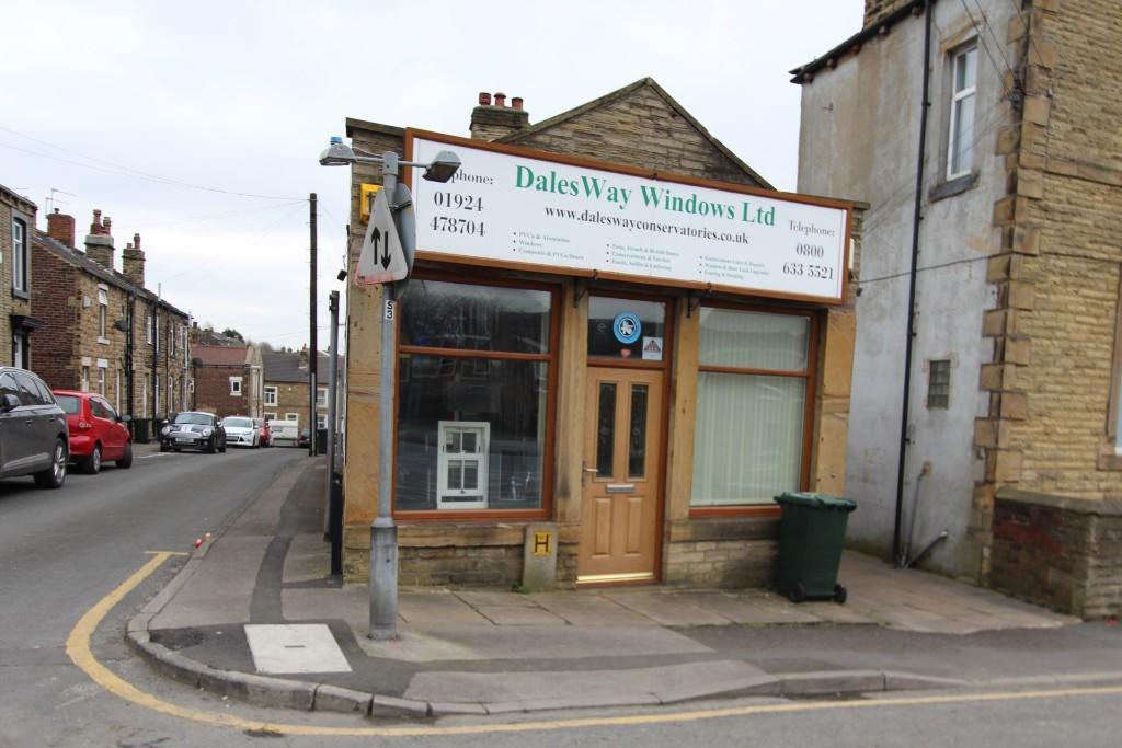 Retail Property (high street) to rent Smithies Lane, Batley, WF17