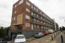 Flat to rent in Wendover Court, Acton...