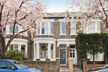 Town House to rent in Summerfield Avenue...