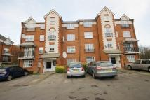 1 bed Flat to rent in Shaftesbury Gardens...