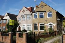 4 bedroom semi detached house to rent in East Acton Lane...