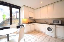 2 bedroom Flat in Shorts Gardens WC2H