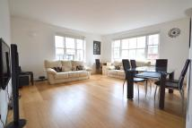 Flat to rent in Floral Street WC2E
