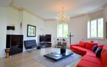 3 bed Flat to rent in Northumberland Avenue...