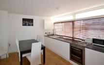Flat in Centre Point House, 15a...