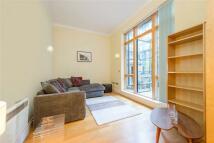 2 bedroom Flat in Victoria House, 25...