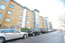 3 bedroom Flat to rent in Regents Park Road NW1