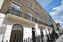 Flat to rent in North Gower Street...