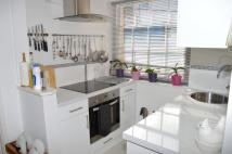 Studio apartment to rent in High Street, Crediton...