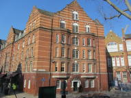 4 bed Maisonette to rent in Calvert Avenue, London...