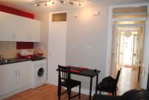 Town House to rent in Welford Close, London, E5
