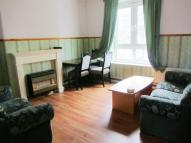 Flat to rent in Prusom Street, London...