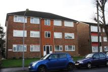 2 bed Flat to rent in Connaught Avenue, London...