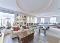 Flat for sale in Welbeck Street...