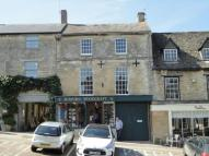 Flat to rent in High Street, Burford...