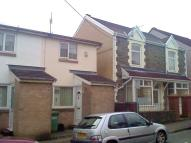 2 bed semi detached house in Upper Capel Street...