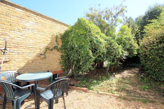 Garden (image 1)