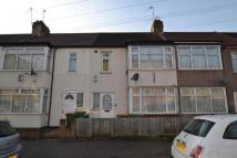3 bed semi detached property in Grantham Road, London...
