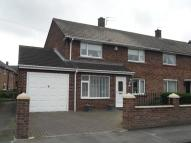 End of Terrace property to rent in Heath Road...