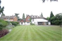 5 bed Detached house in WOODHAM, WOKING, SURREY