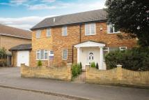 4 bedroom Detached house in Cobs Way, New Haw