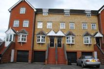 Vale Farm Road Town House to rent