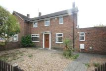 3 bed property to rent in Kingfield