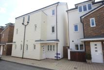 Pyle Close Town House to rent