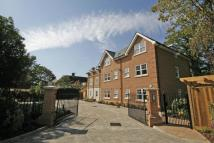 Flat in WEST BYFLEET, SURREY