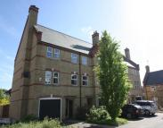 4 bed Town House to rent in Knaphill, Woking