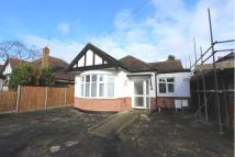 2 bed Detached Bungalow to rent in Ickenham, Uxbridge, UB10