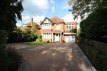 4 bed Detached house to rent in Warren Road, Ickenham...