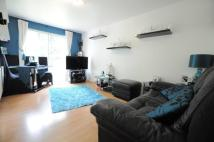 Flat to rent in Ickenham, Uxbridge, UB10
