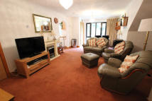 2 bed Apartment to rent in Uxbridge, UB8