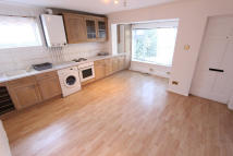 2 bed Maisonette to rent in Ambleside Walk, Uxbridge...
