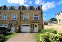 Town House to rent in Storey Close, Ickenham...