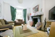 4 bedroom Apartment in Park Hill, London, SW4